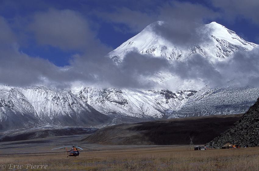 Volcan enneigé au Kamtchatka